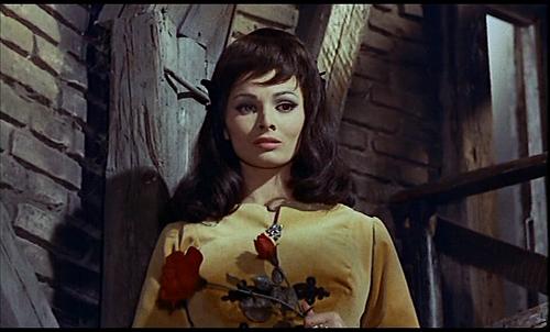 La joven bella y enferma de la película El molino de las mujeres de piedra, dirigida por Giorgio Ferroni