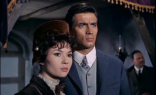 Una imagen de la película El molino de las mujeres de piedra, dirigida por Giorgio Ferroni