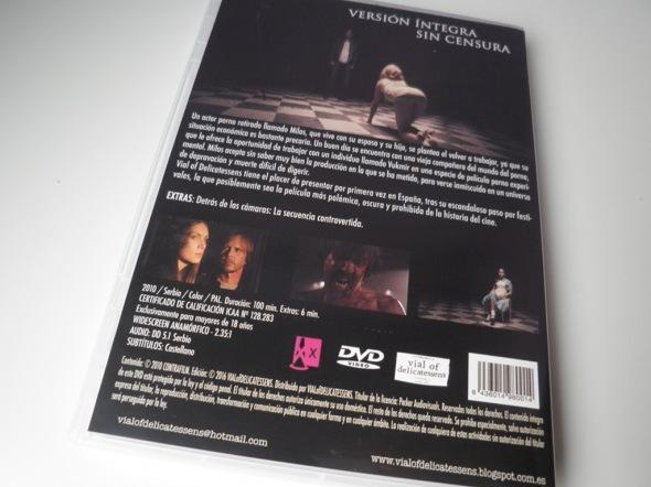 Contraportada del DVD de A Serbian Film, editado por Vial of Delicatessens