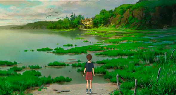 Una imagen de El recuerdo de Marnie, con la protagonista frente al lago