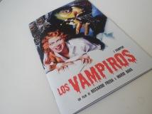 Portada del libreto del DVD de Los vampiros (I Vampiri), de Riccardo Freda