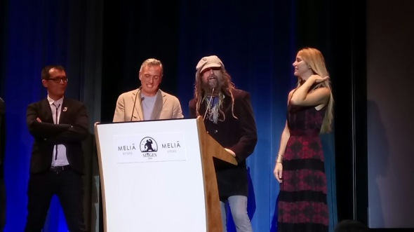 Ángel Sala y Mike Hostench, director y subdirector del festival, junto a Rob Zombie y Sheri Moon en la presentación de 31