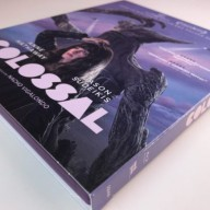 Colossal Blu-ray funda lateral