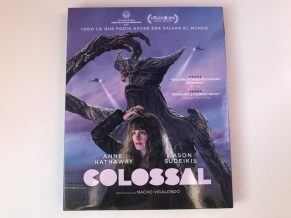 Colossal Blu-ray portada funda