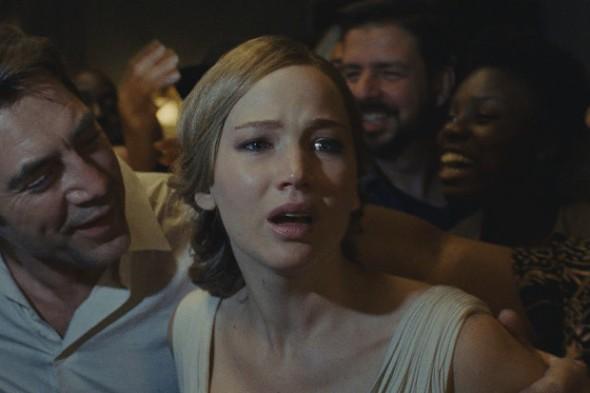 Javier Bardem y Jennifer Lawrence en madre!, dirigida por Darren Aronofsky