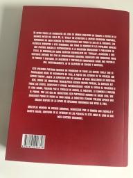 Contraportada del libro Todos los colores del giallo. Antología del cine criminal, de terror y erótico italiano