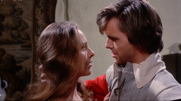 Hilary Heath e Ian Ogilvy en una imagen de Witchfinder General