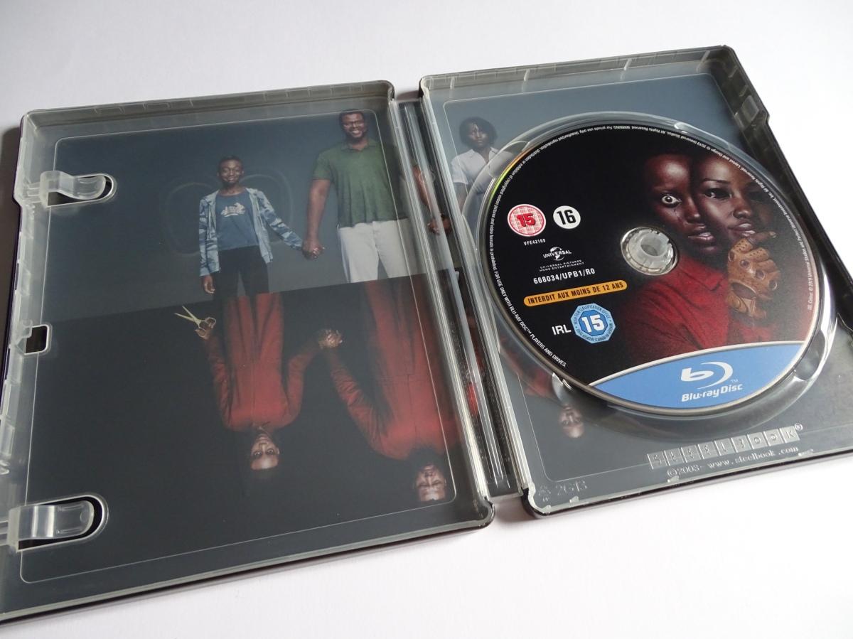 interior del steelbook de Nosotros (Us) en Blu-ray