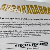 Letras en relieve de la contraportada de la funda de Abrakadabra