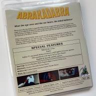 Contraportada del Blu-ray de Abrakadabra